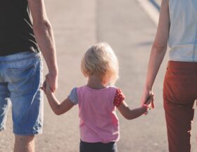 Czego potrzebują dzieci w pieczy zastępczej?