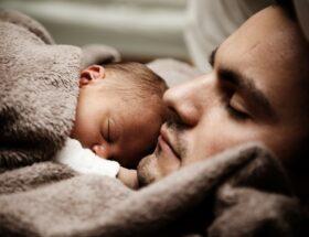 Poznaj 6 niezawodnych sposobów na zdrowy sen małego dziecka