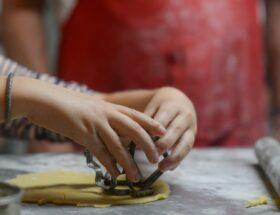 Gotowanie z dziećmi - jak zaangażować najmłodszych do wspólnego gotowania?