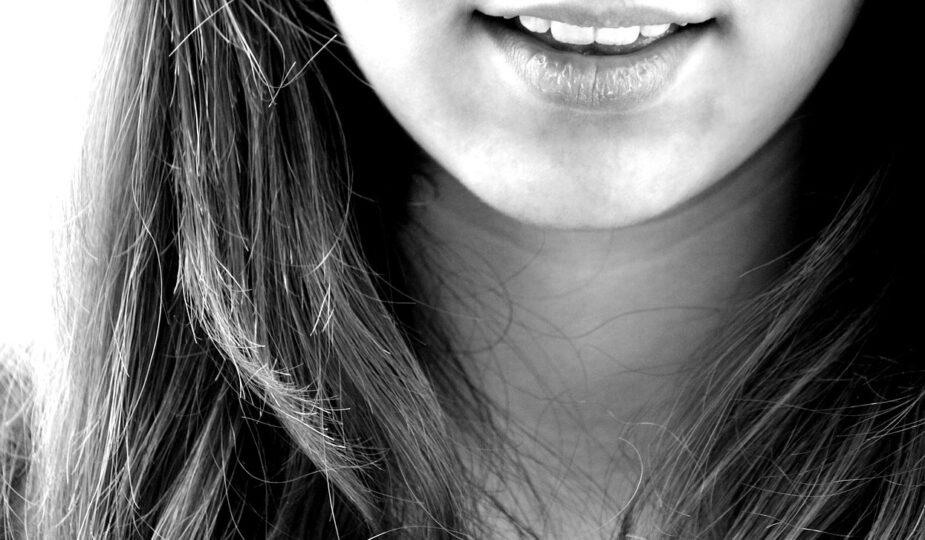Nitkowanie zębów – im częściej, tym lepiej