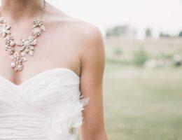 Ciężarne panny młody nie powinny zwlekać z wyborem sukni ślubnej