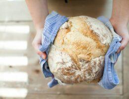 Wielkanocne must have – apetyczny żurek w chlebie od Appetity